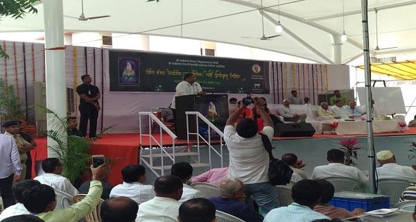 महसूल कृषी व बांधकाम मंत्री श्री.चंद्रकांत पाटील मार्गदर्शन करताना